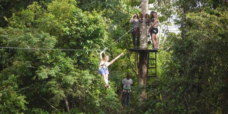- Student Inn Suriname